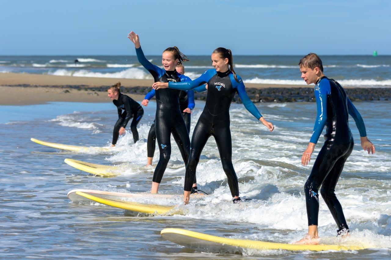 partywave jongerenkamp surf vlieland